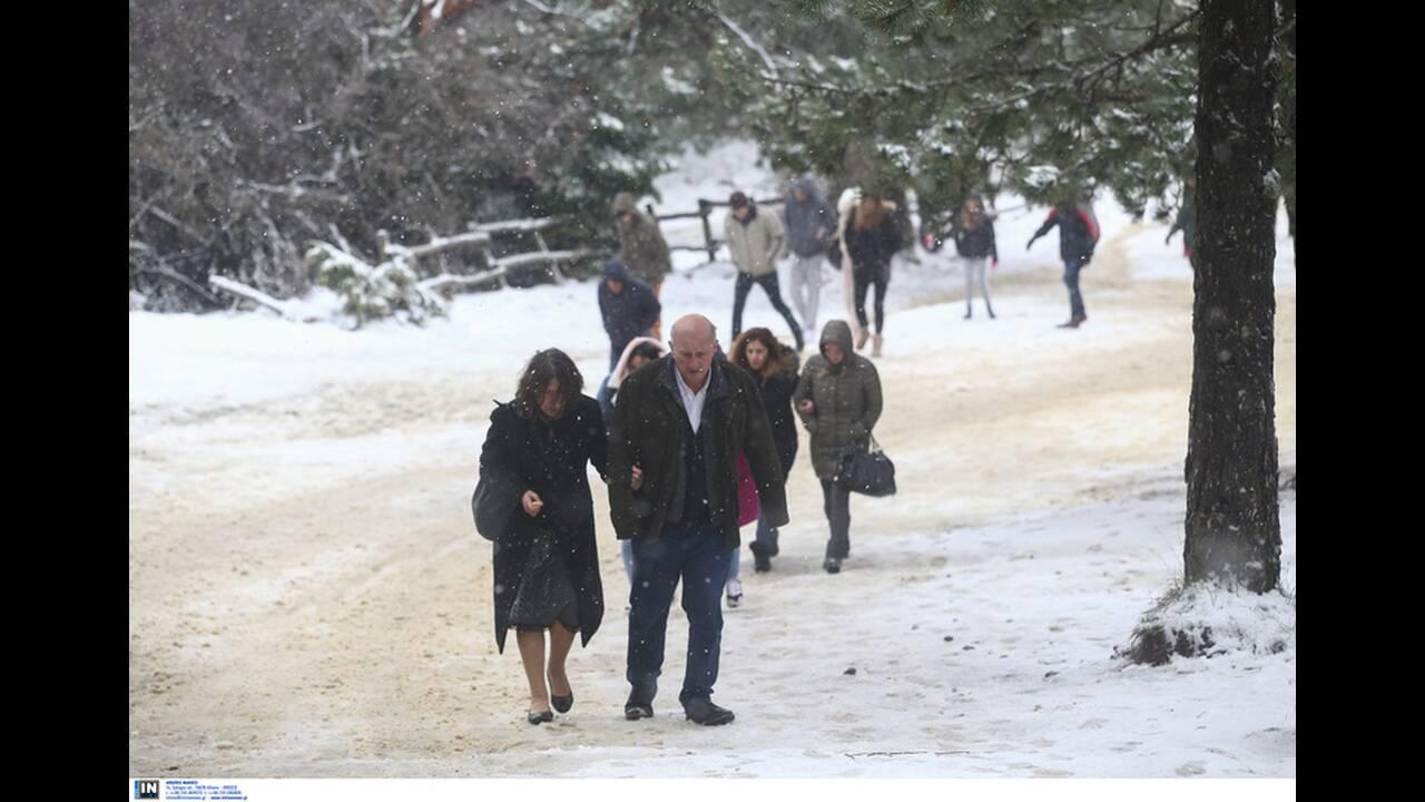 https://cdn.cnngreece.gr/media/news/2019/12/29/202310/photos/snapshot/2801243.jpg