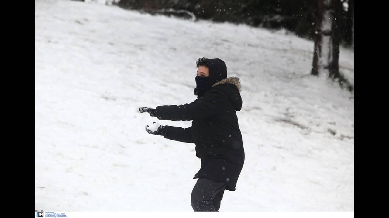 https://cdn.cnngreece.gr/media/news/2019/12/29/202310/photos/snapshot/2801259.jpg