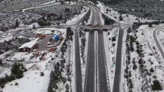 «Ζηνοβία»: Η χιονισμένη Εθνική Αθηνών – Λαμίας από… ψηλά!
