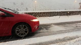 Οικογένεια έχει εγκλωβιστεί στα χιόνια στο Λασίθι