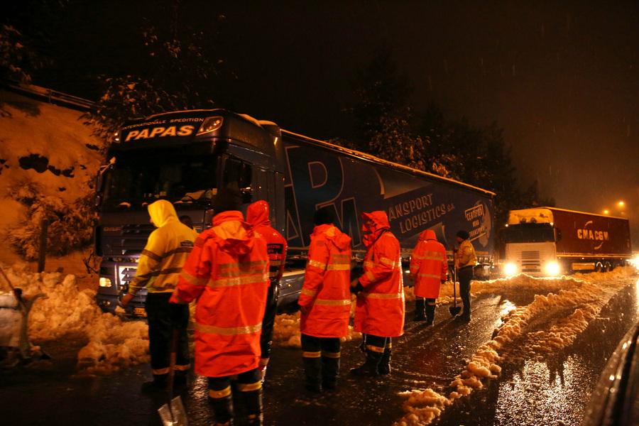 Απαγορευτικό για φορτηγά στη εθνική οδό Λαμίας - Αθηνών λόγω χιονόπτωσης