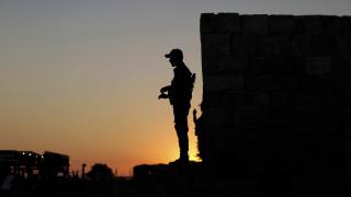 Τουρκία: Σύροι αντάρτες υπογράφουν συμβάσεις για να εργαστούν ως «σωματοφύλακες» στη Λιβύη