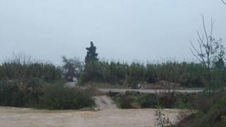 Καιρός - «Ζηνοβία»: Εντολή εκκένωσης σπιτιών στην Εύβοια λόγω υπερχείλισης ποταμού