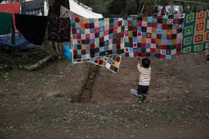 Πάνω απο 7000 παιδιά ζουν μέσα και έξω από το ΚΥΤ της Μόριας ενώ τα ασυνόδευτα ανήλικα ξεπερνούν τις 2500.