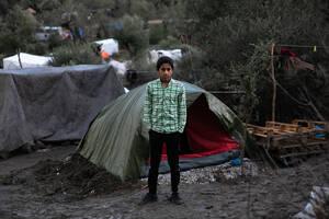 Πάνω απο 7000 παιδιά ζουν μέσα και έξω από το ΚΥΤ της Μόριας.