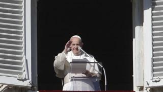 «Καμιά φορά χάνω και εγώ την υπομονή μου»: Η συγγνώμη του Πάπα για την αντίδρασή του
