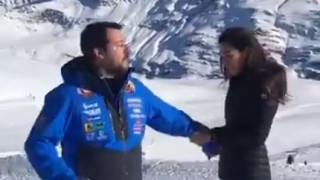 Σάλος στην Ιταλία με βίντεο του Σαλβίνι που παρωδεί τον πάπα Φραγκίσκο