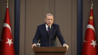 Ερντογάν: 250.000 άνθρωποι εγκαταλείπουν τη Συρία και κατευθύνονται προς την Τουρκία