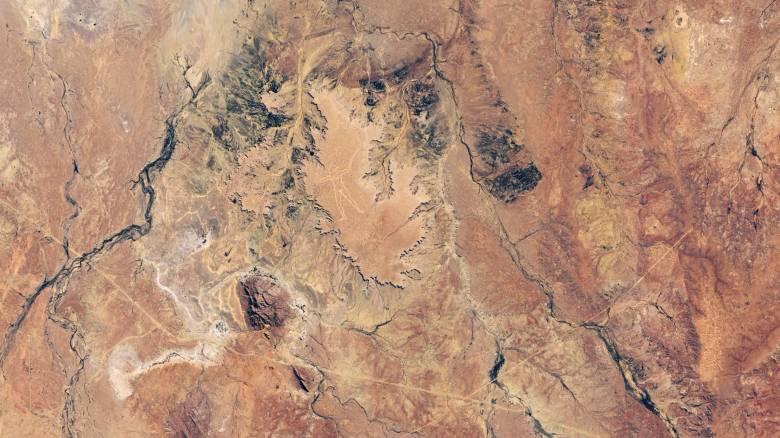 Marree Man: Η NASA δημοσίευσε νέα φωτογραφία του μυστηριώδους γεωγλυφικού