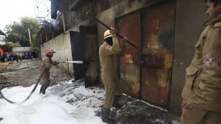 Ινδία: Κατάρρευση εργοστασίου από πυρκαγιά – Ένας νεκρός πυροσβέστης