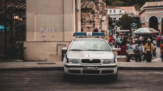 Ακρόπολη: Διέρρηξαν το αυτοκίνητο βουλευτή της ΝΔ και έκλεψαν το όπλο του φρουρού του