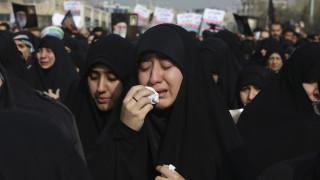 «Θάνατος στην Αμερική» - Θρήνος στο Ιράν για τον Κασέμ Σουλεϊμανί