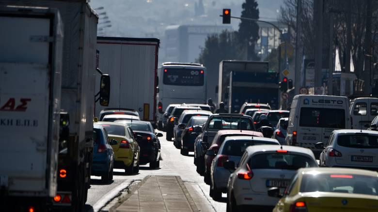 Κυκλοφοριακό κομφούζιο στην Λεωφόρο Αθηνών