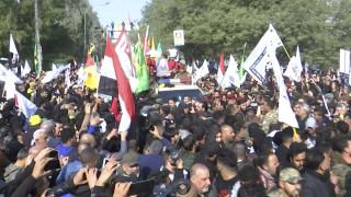 Δολοφονία Σουλεϊμανί: Ξεχείλισε η οργή κατά των ΗΠΑ  στη νεκρική πομπή