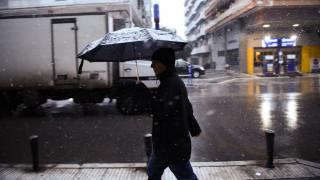 Κακοκαιρία «Ηφαιστίων»: Βροχές, ψύχος και χιόνια στην Αττική
