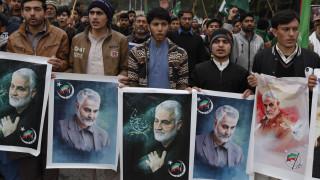 «Βράζει» η Μέση Ανατολή: Το Ιράν εξετάζει το μέλλον της συμφωνίας για τα πυρηνικά