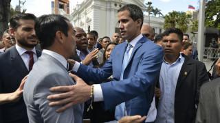 Πολιτικό «χάος» στη Βενεζουέλα: Ο Γκουαϊδό καταγγέλλει κοινοβουλευτικό πραξικόπημα