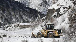 «Ηφαιστίων»: Η κακοκαιρία σαρώνει τη χώρα με βροχές και πυκνές χιονοπτώσεις