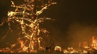 Αυστραλία: Απειλείται και από κυκλώνα ενώ η πύρινη κόλαση μαίνεται