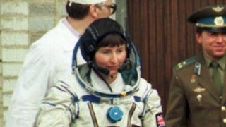 «Μπορεί και να ζουν ανάμεσά μας»: Αστροναύτης αποκαλύπτει τις σκέψεις της για τους εξωγήινους