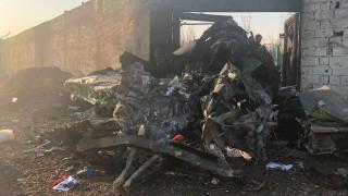 Ιράν: Εικόνες από το σημείο συντριβής του ουκρανικού Boeing