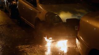 Θεσσαλονίκη: Φωτιά σε τρία οχήματα τα ξημερώματα