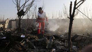 Συντριβή αεροσκάφους στο Ιράν: Δεν εξέπεμψε σήμα κινδύνου – Βρέθηκε ένα μαύρο κουτί