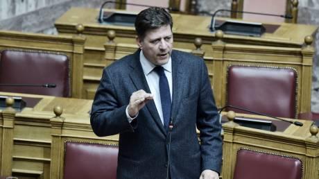 Βουλή: Κόντρα κυβέρνησης - αντιπολίτευσης για τη συνάντηση Μητσοτάκη - Τραμπ