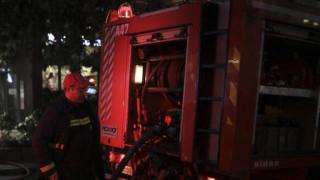 Φωτιά σε διπλοκατοικία στον Βόλο με μία τραυματία
