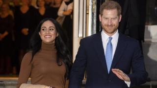 «Πισώπλατο μαχαίρωμα»: Πληγωμένη η βασιλική οικογένεια από την απόφαση Χάρι - Μέγκαν