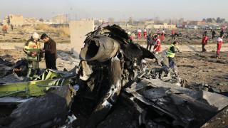 Συντριβή αεροσκάφους στο Ιράν: Η Τεχεράνη καλεί τους Αμερικανούς να συμμετάσχουν στις έρευνες