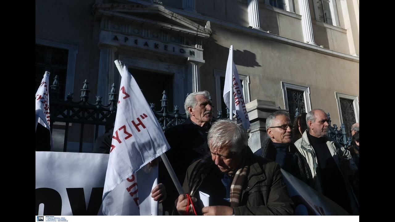 https://cdn.cnngreece.gr/media/news/2020/01/10/203611/photos/snapshot/syntaksiouxoi4.jpg