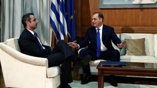 Βελόπουλος μετά τη συνάντηση με Μητσοτάκη: Η Χάγη δεν είναι λύση στο πρόβλημα της χώρας