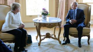 Συνάντηση Μέρκελ - Πούτιν: Ιράν, ΗΠΑ και Λιβύη στο «τραπέζι» των συζητήσεων