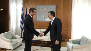 Εκλογικός νόμος: Τρία «όχι» έλαβε ο Μητσοτάκης στα τετ-α-τετ με τους πολιτικούς αρχηγούς