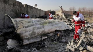 Κατάρριψη Boeing στο Ιράν: Συμφωνία Ζελένσκι - Μακρόν για τα μαύρα κουτιά
