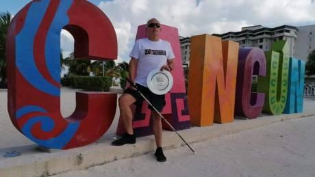 Χρήστος Κορομηλάς: Έχασε την όρασή του στα 45, αλλά αποδεικνύει ότι όλα είναι πιθανά