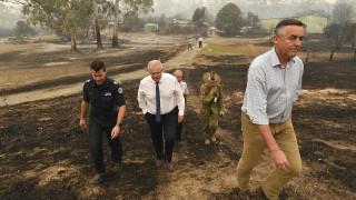 Αυστραλία: «Τσουρουφλίζεται» η δημοφιλία του πρωθυπουργού λόγω πυρκαγιών