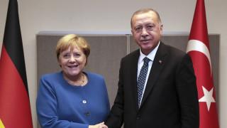 Τηλεφωνική επικοινωνία Μέρκελ – Ερντογάν και έκτακτη συνάντηση