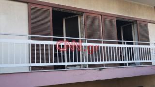 Φωτιά σε διαμέρισμα στα Μελίσσια - Προσπάθειες απεγκλωβισμού τεσσάρων ατόμων