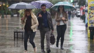 Καιρός: Τοπικές βροχές και καταιγίδες σήμερα