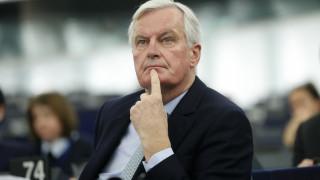 Brexit: Ο Μπαρνιέ προειδοποιεί τους πολίτες για τις πρακτικές συνέπειες