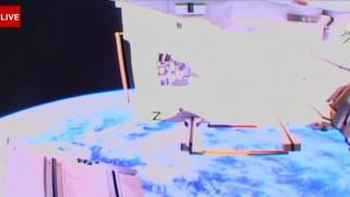 Γυναικεία... υπόθεση: Διαστημική «βόλτα» σε ζωντανή σύνδεση