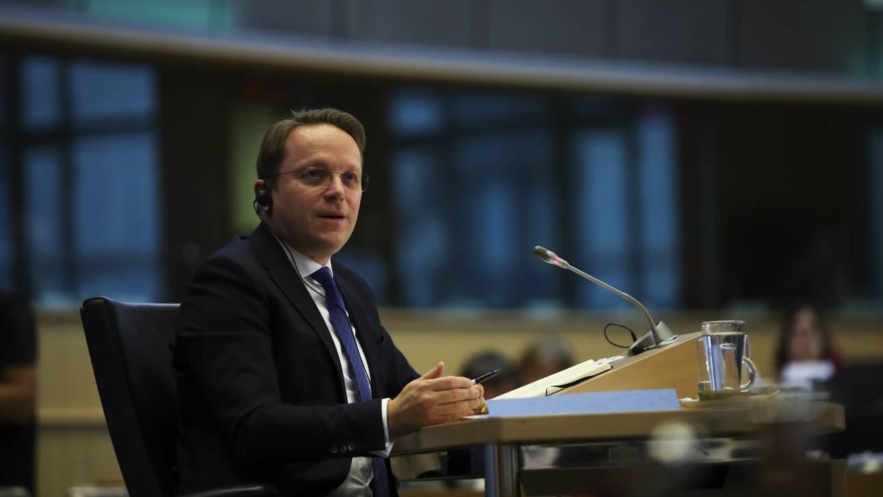Κομισιόν: Θετική εισήγηση για έναρξη ενταξιακών διαπραγματεύσεων με Σκόπια και Τίρανα