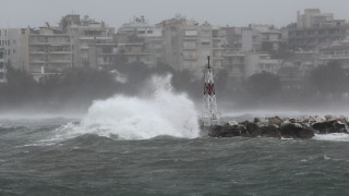 Καιρός: Βροχές, καταιγίδες και αφρικανική σκόνη την Πέμπτη