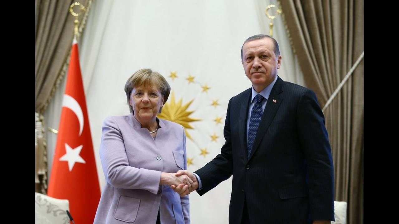 https://cdn.cnngreece.gr/media/news/2020/01/17/204336/photos/snapshot/17584092.jpg