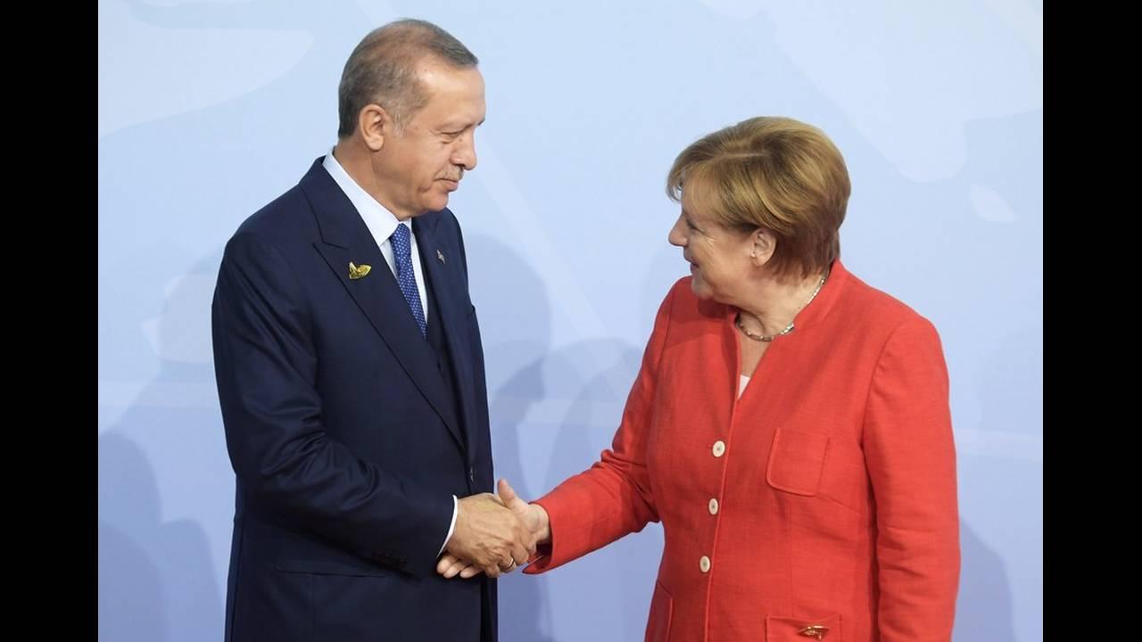 https://cdn.cnngreece.gr/media/news/2020/01/17/204336/photos/snapshot/18204460.jpg