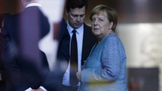 Διαψεύδει την «Bild» το Βερολίνο: Δεν τέθηκε ποτέ θέμα συμμετοχής της Ελλάδας στη Διάσκεψη
