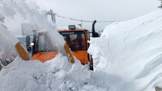 Κρήτη: Τέσσερα μέτρα χιόνι στο Οροπέδιο Λασιθίου
