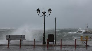 Καιρός: Τοπικές βροχές και ισχυροί άνεμοι σήμερα